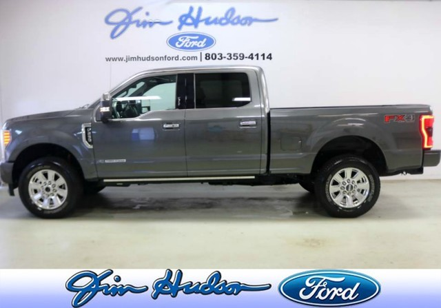 Pre-Owned 2017 Ford Super Duty F-250 SRW Platinum 4WD Crew Cab ULTIMAT  PACKAGE 5TH WHEEL PREP LOADED Four Wheel Drive Pickup Truck