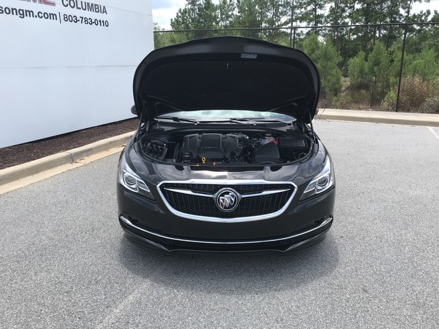 Pre-Owned 2019 Buick LaCrosse 4dr Sdn Essence AWD