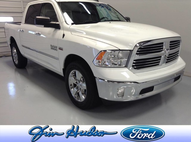 Pre-Owned 2017 Ram 1500 Big Horn 4x4 Crew Cab 20 INCH WHEELS PARKVIEW CAMERA TOW PACKA