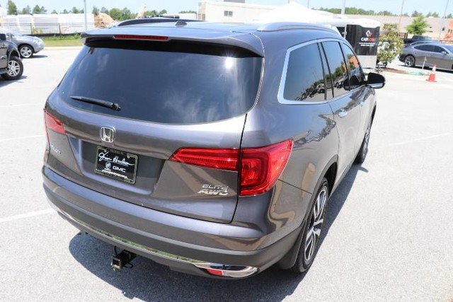 Pre-Owned 2017 Honda Pilot Elite AWD
