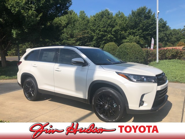New 2019 Toyota Highlander SE V6 FWD