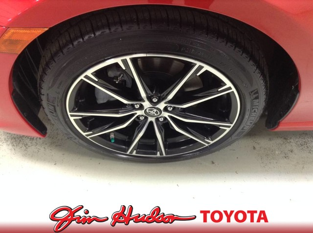 Certified Pre-Owned 2017 Toyota 86