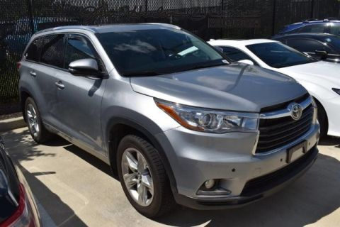 Pre-Owned 2016 Toyota Highlander / Nav / Bluetooth / Panoramic Roof / Park Assist